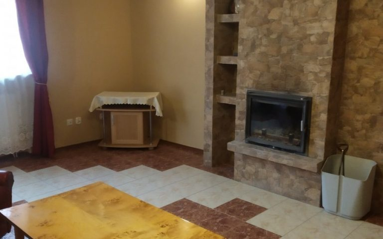 Two comfortable rooms with a kitchen for rent